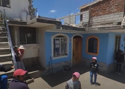 Walk Around an Unbound Family Photoshoot in Ecuador